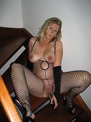 free mature ladies in nylons porn pics