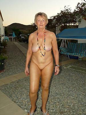 mature blonde milf porn pics