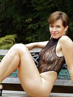 naked ladies depart from 40