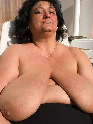 old lady saggy boobs porn gallery