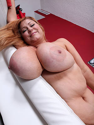sweet nude mature boob pictures