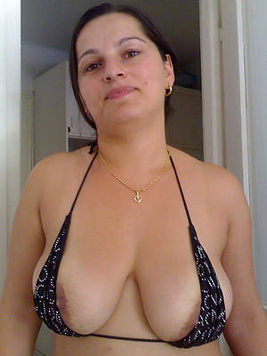 sexy naked mature materfamilias pic