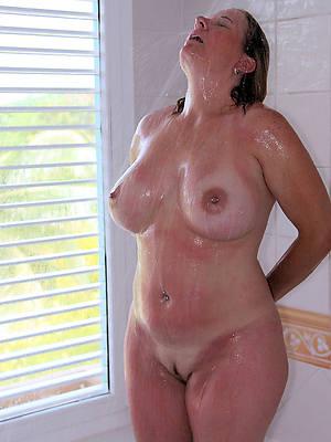 mature women nearby the shower hatless photos