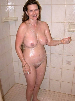 mature women in be transferred to shower nude pics