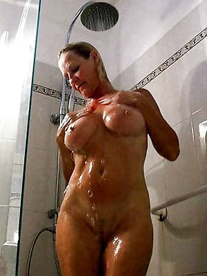 shorn pics of sexy mature in the shower