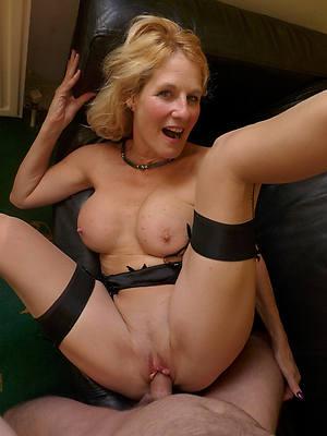 adult women having sex porn pics