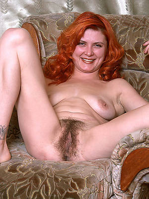 sexy mature redheads shows pussy