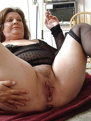 mature mommy pussy pics