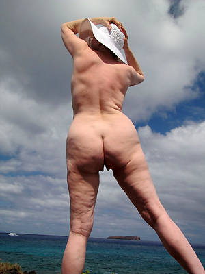 mature big booty women libellous sex pics