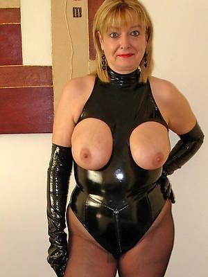 sexy mature in latex porn