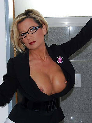 really mature in glasses porno pics