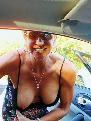 unclad mature in glasses gallery