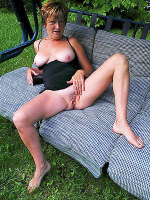 glum mature naked legs