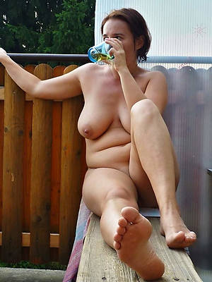 free porn pics of mature pretty feet
