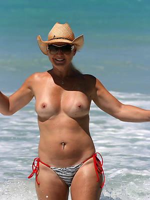 virgin sexy mature bikini pics