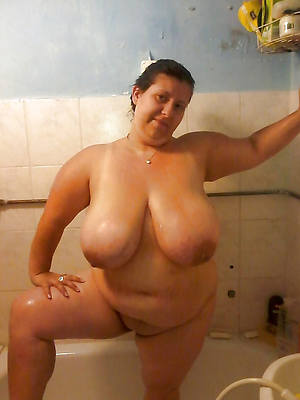 free mature women in the shower gallery