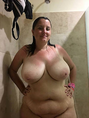 really grown up women in the shower pic