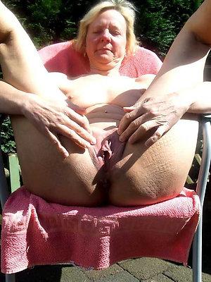 curvy mature milf pussy pics