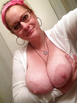 old lady sexy selfie posing nude