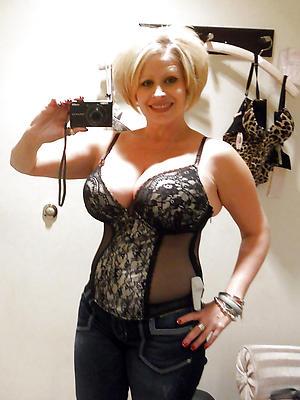 free rreal erotic selfies photos