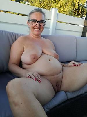 mature women in glasses porn foto