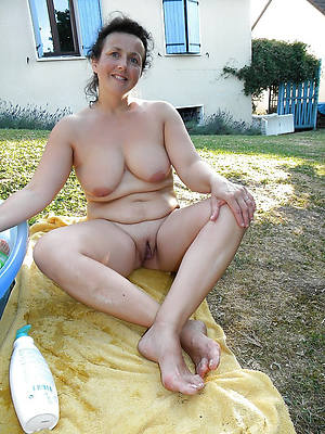 best mature nudes outdoors gallery