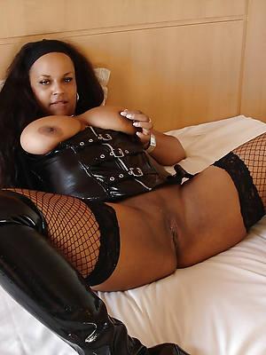 mature ebony moms porn pics