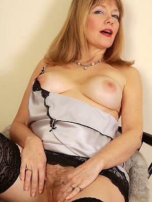 best mature nude models veranda
