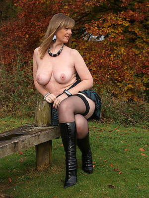 beautiful sexy matures in stockings