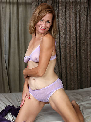 mature milfs over 50 pictures