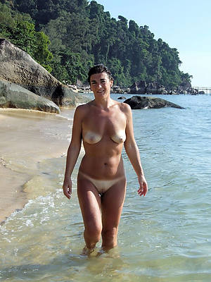 sweet nude mature column at beach