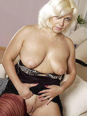 mature nude blondes porn pic download