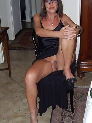 free hd sexy mature upskirt pics