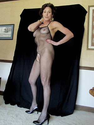 naked mature over 60 gallery