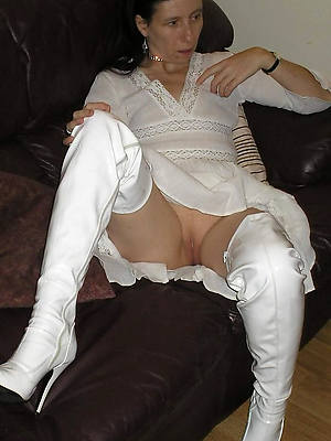 mature women non nude gallery