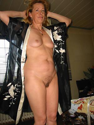 private nude women home pics