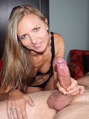 unconforming amature big tits mature handjob
