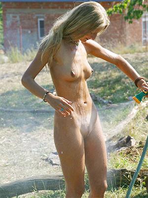 sweet nude adult amateur snapshot