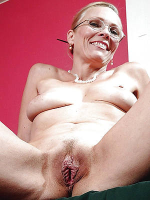 beautiful horny mature mothers