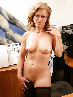 mature mom solo amature adult home pics