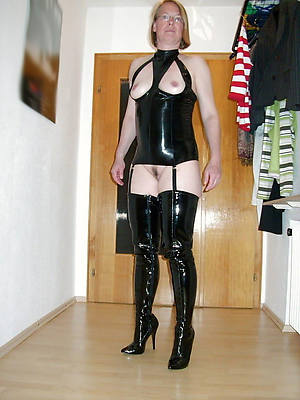 petite mature in latex Bohemian pic