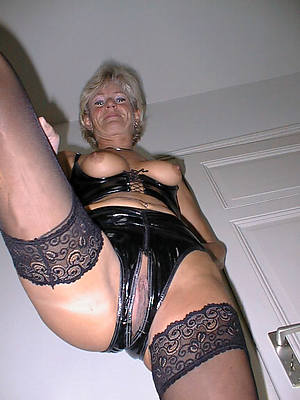 hd mature close to latex hot porch