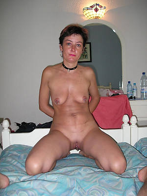 short hair mature amateur column