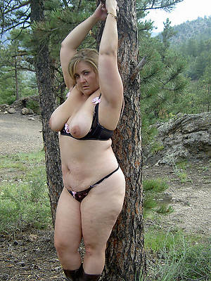 sweet nude mature thick moms