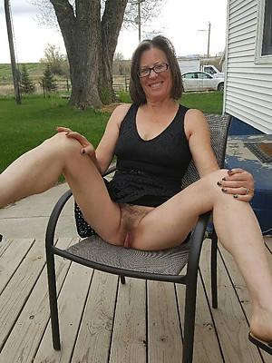 mature alfresco nudes