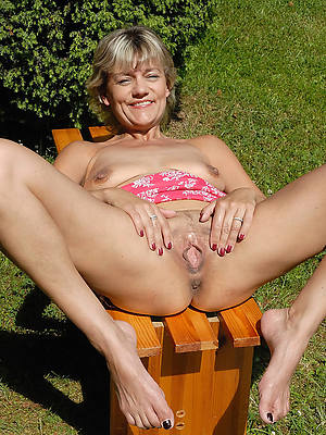 nude women relative to put emphasize outdoors porno pictures