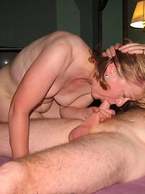 photos of women giving blowjobs