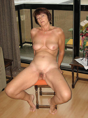 sexy mature girlfriend nude photos