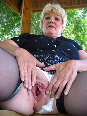 blistering mature tits porno pics