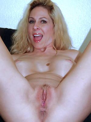 hot and horny matures sex pics